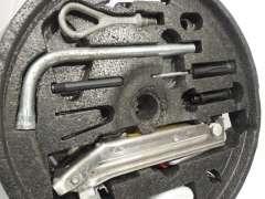 Audi TT 8N Spare Wheel Well Foam Tool Kit Holder and Tools 8N0012109K (Item #247177)